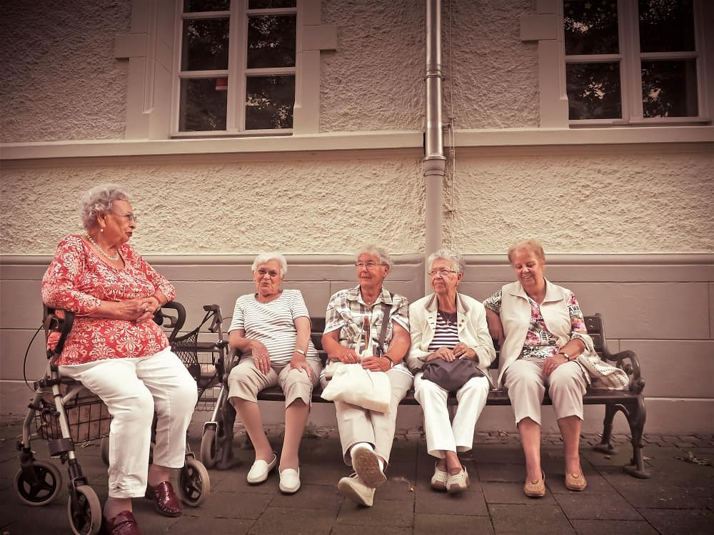 How to Make Friends in Assisted Living